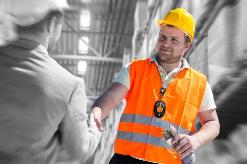 Travailleur portant un système Proxipi pour prévention des collisions
